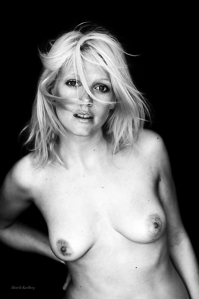 Kareena Naked Pics Nude Females From Finland