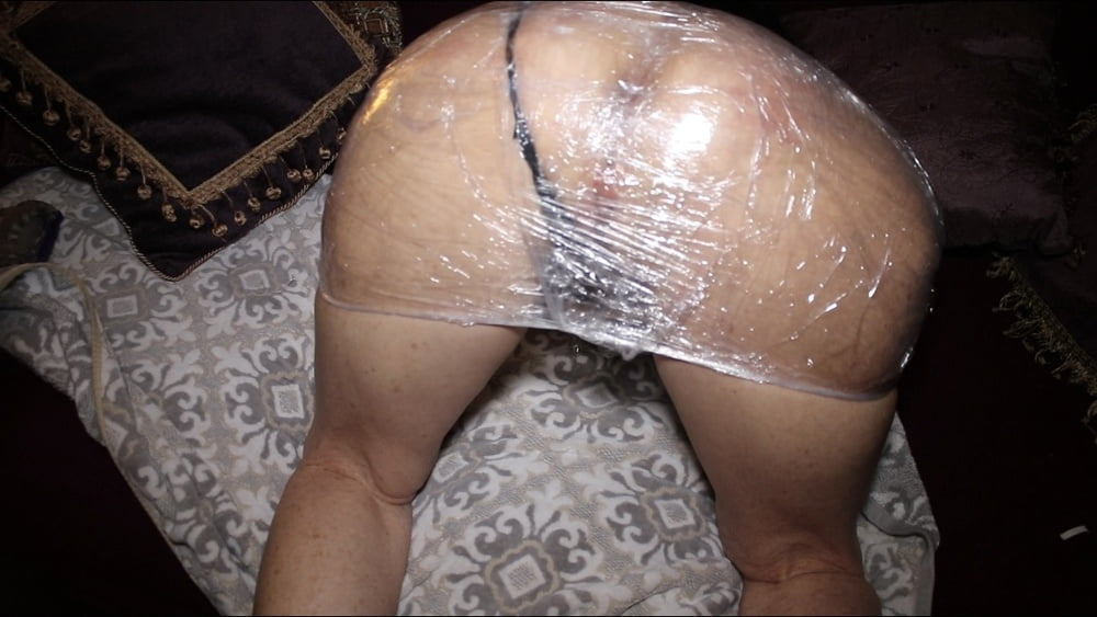 Granny Saran Wrapped and tight - 6 Pics