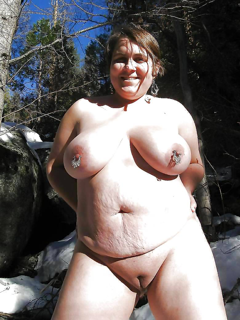 chubby-amature-tits-pissing