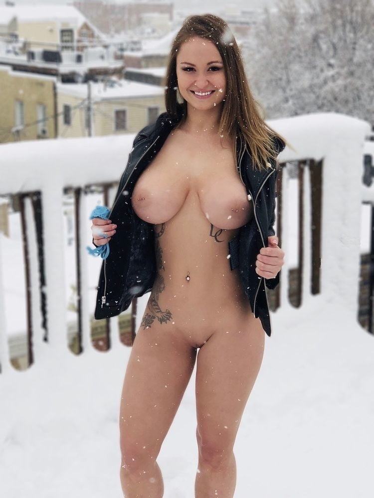 Snow bunny nude — photo 15
