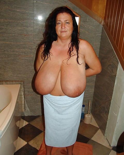 Enormous boobs milf-4726
