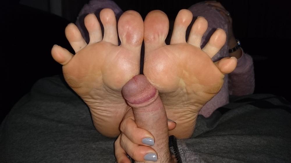 Wrinkled soles footjobs fuck pics