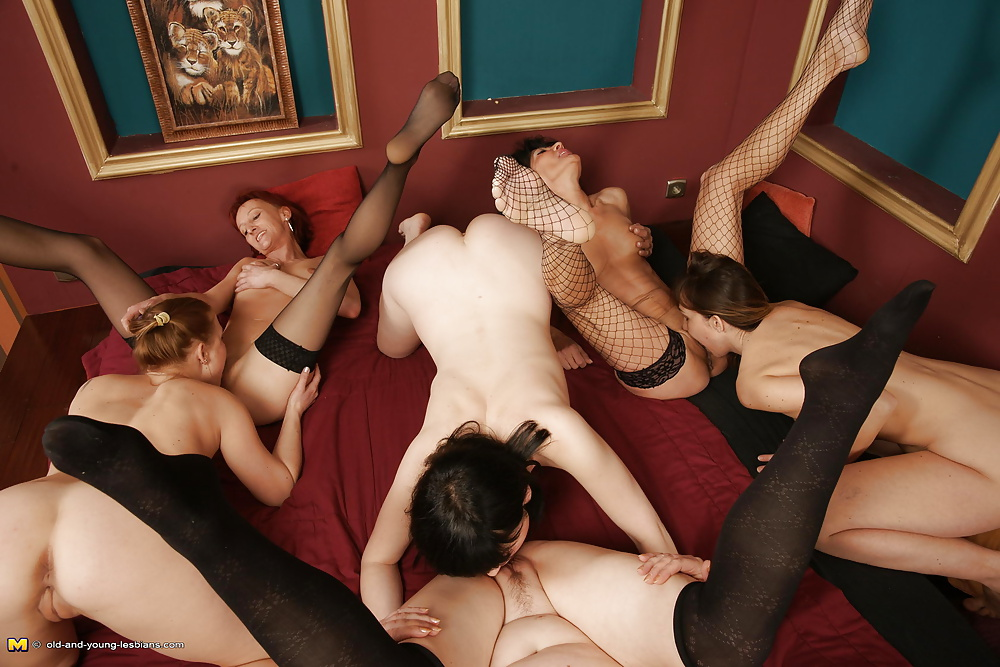 Extreme Lesbian Orgy And Fun Party Anal Ballerinas