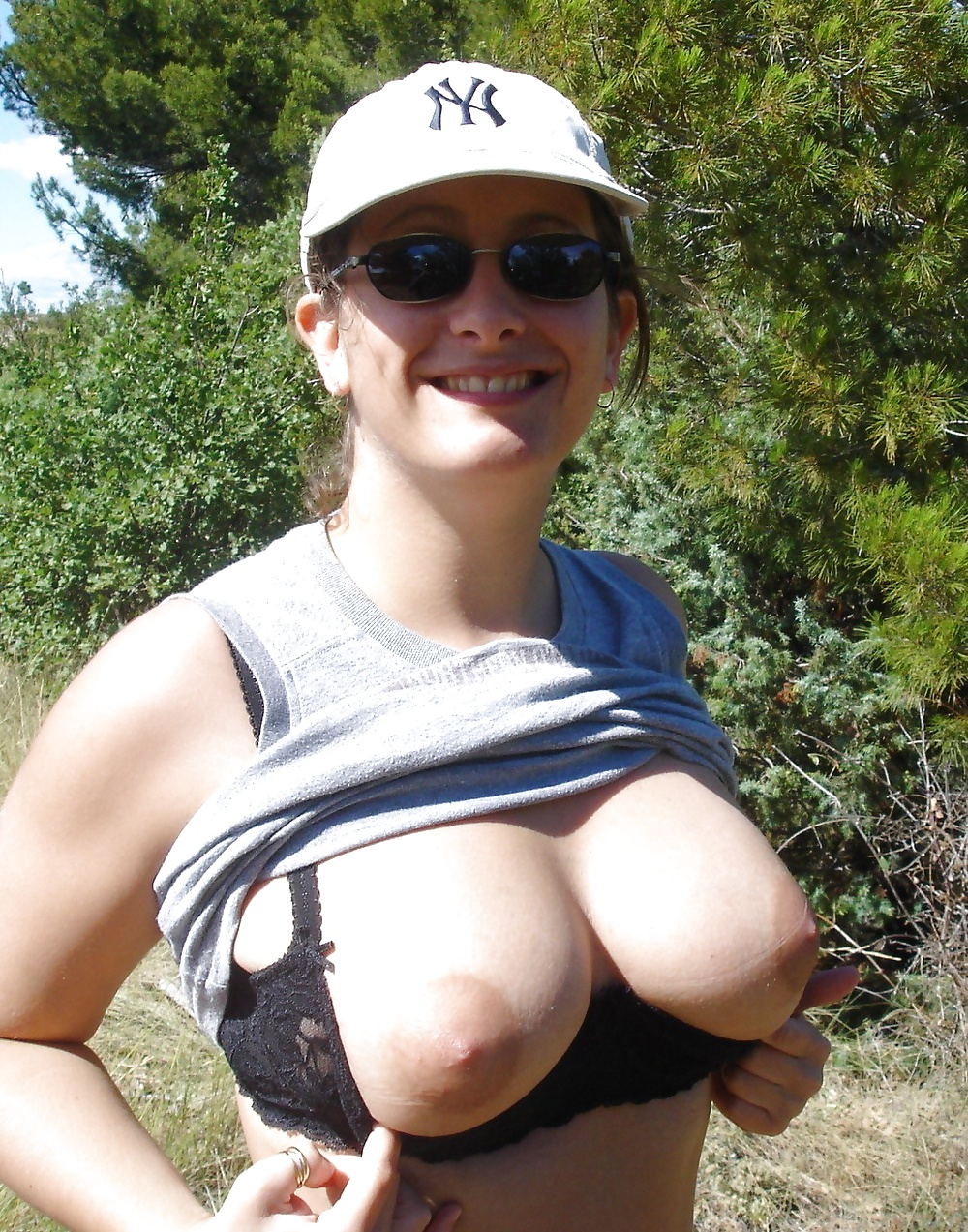 Flashing tits outside