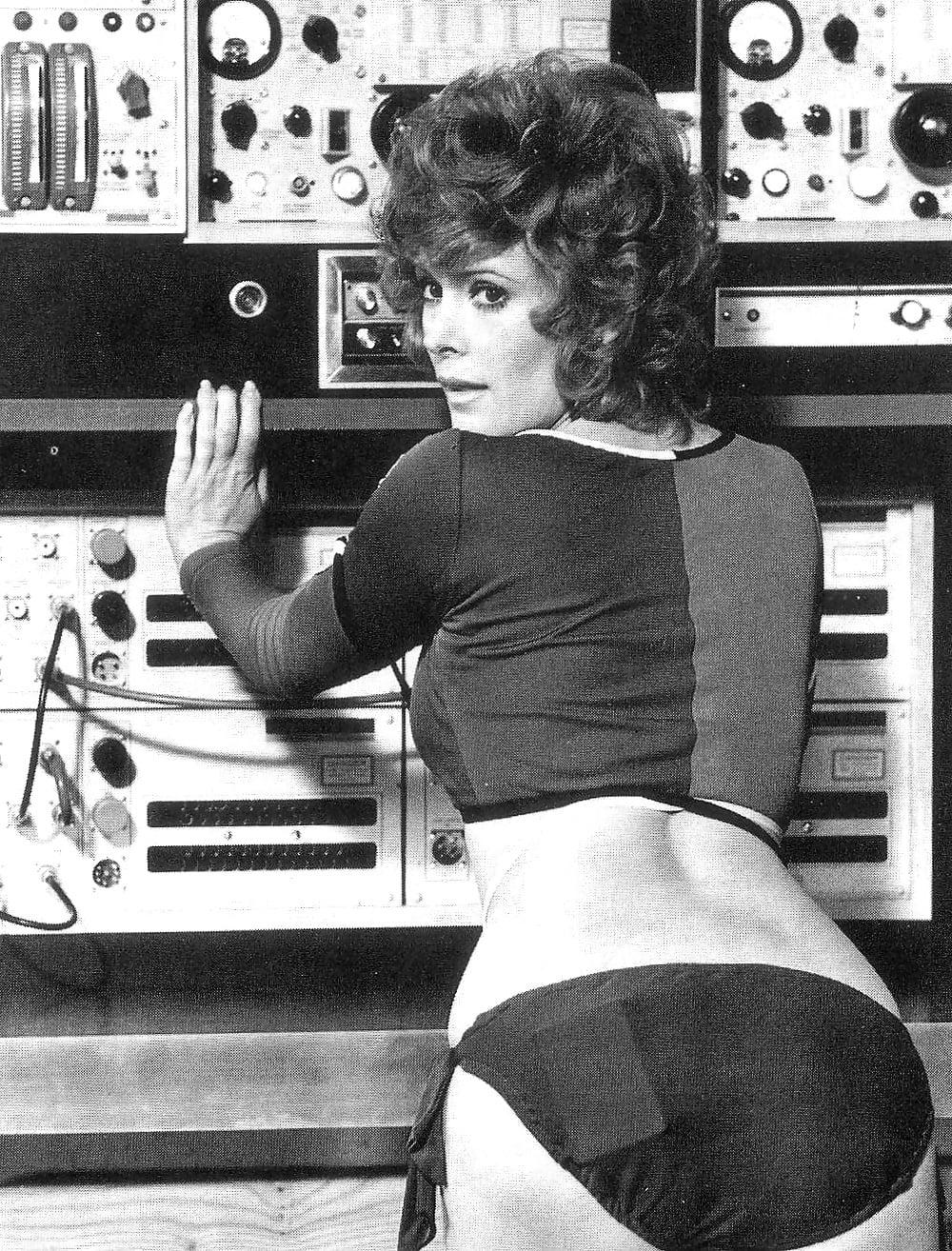 Womens desires bizarre 1984 us vintage porn movie - 1 part 8