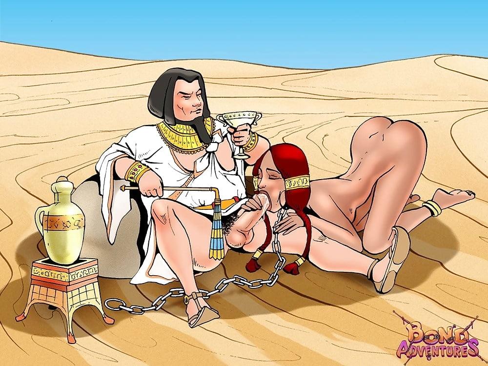Индийская царица ебется с рабами различных женских