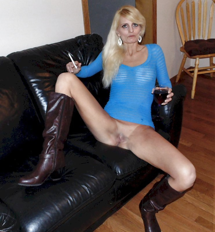 See And Save As Slim Mature Blonde Wife Mom Slut Blowjobs -1334