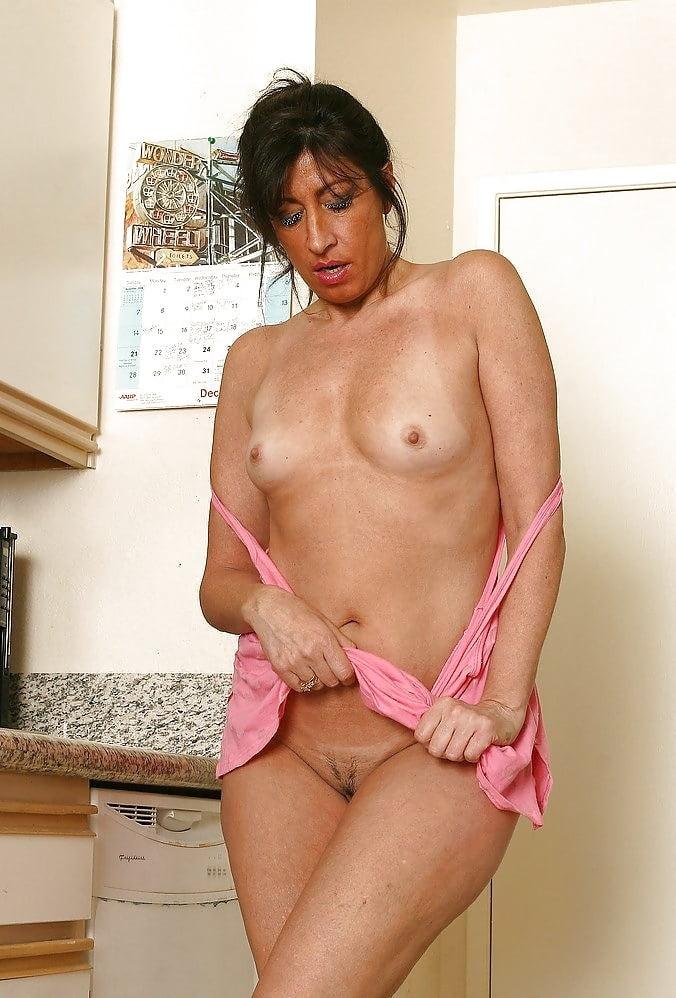 Milf housewife porn