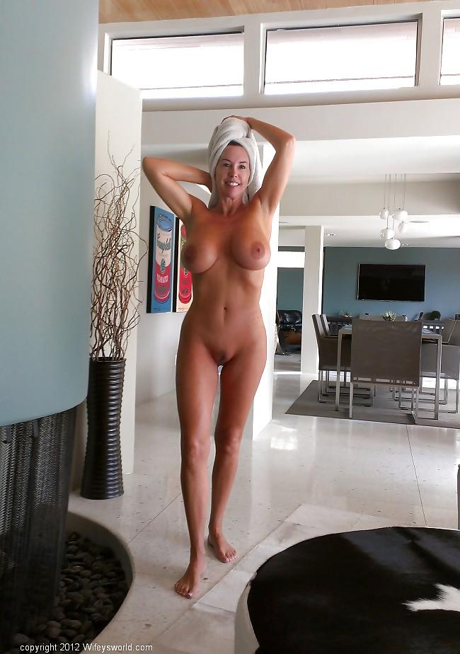 nude ebony girl solo