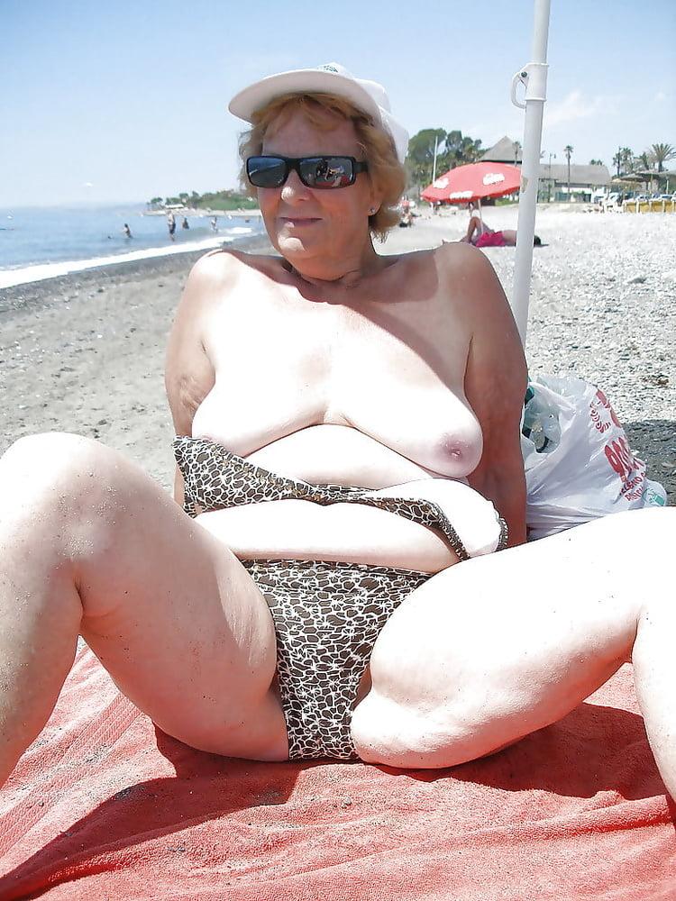 granny-bikini-slut-pictures-amatuer