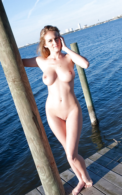 Sexy naked women beach