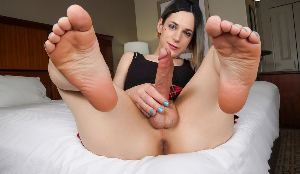 Foot sniffing cook jerking