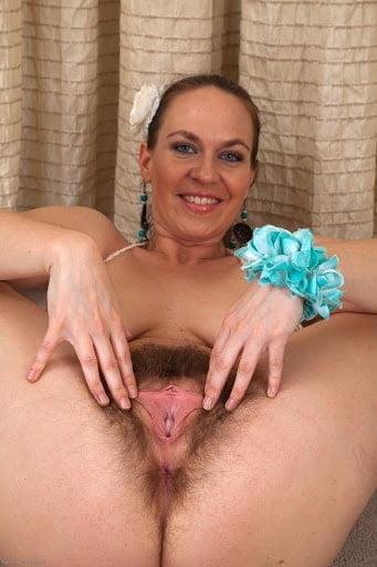 Hairy milf webcam-6037
