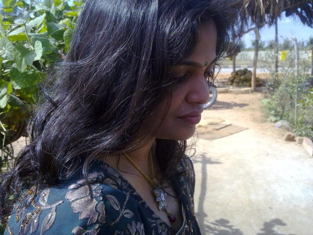 Desi Indian bhabhi big - 46 Pics