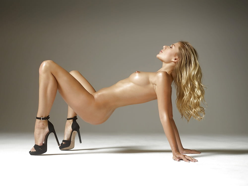 Woman Perfect Body Legs Heels Hqporner 1