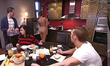 Und nackt tag berlin nacht unzensiert Nacktszenen aus