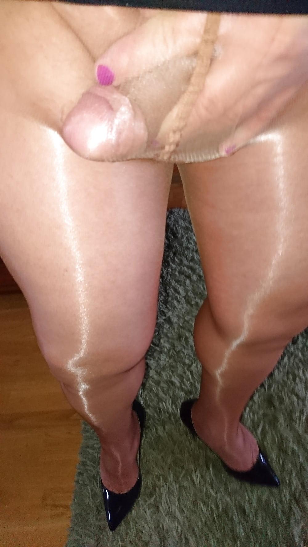 Shiny Pantyhose Crossdresser
