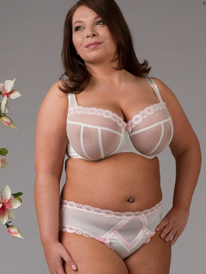 Curvy bras and lingerie