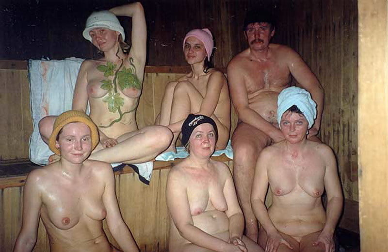 Голые мужики и бабы в бане фото порно видео