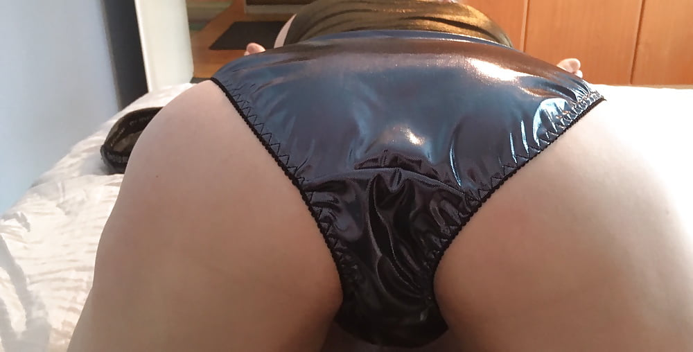 Sexy shiny panties 1