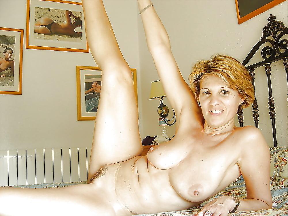 Perfect nude amateur mature milf