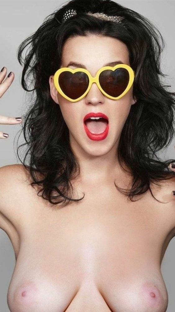 Did No One Tell Katy Perry That Her Boobs Were Completely Falling Out Of Her Top