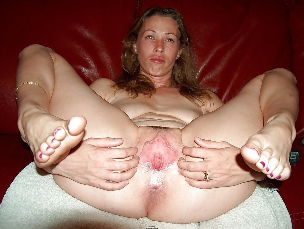 mature-spread-wife-big-super-tits
