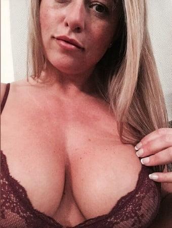 Nackt  Karen Danczuk 'Selfie queen'
