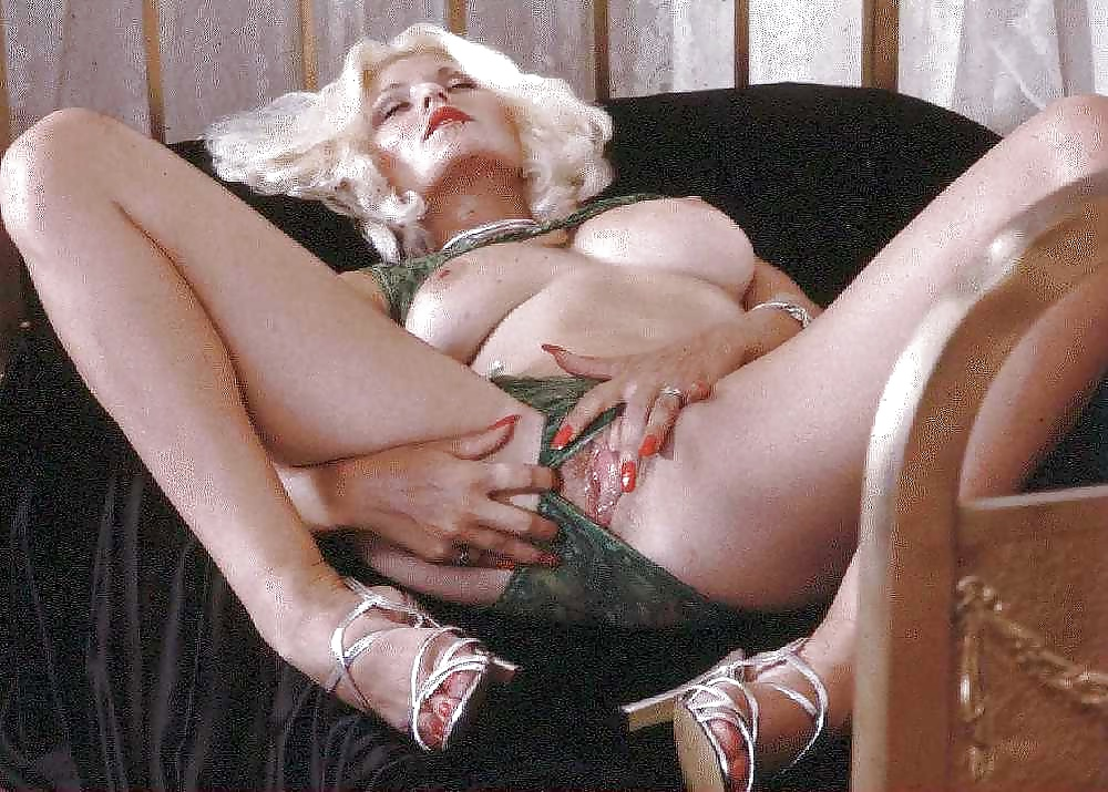 seka-porn-star-anal
