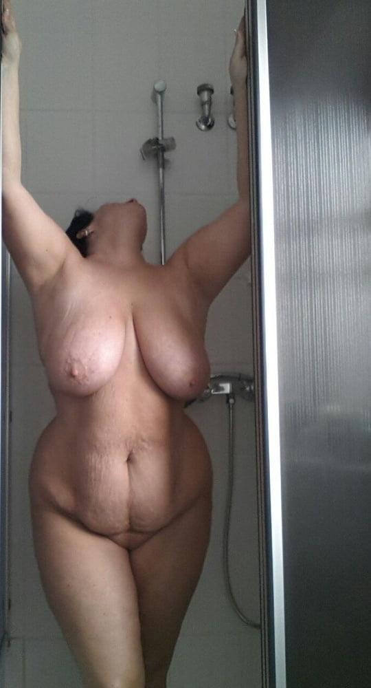 Amateur monster boobs