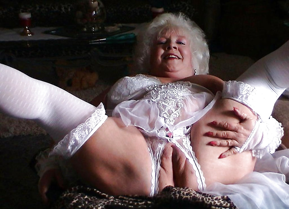 grandma-pussy-in-panties
