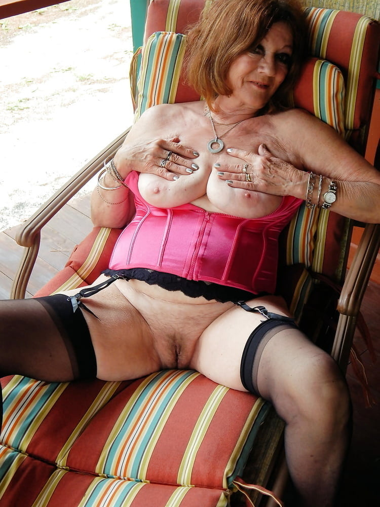 Older mature tubes ladies busty, blondes with huge boobs