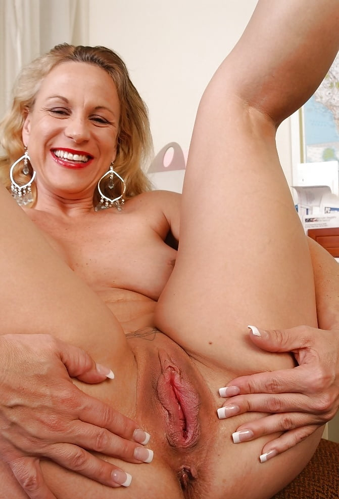 Mature amber been old pussy photo