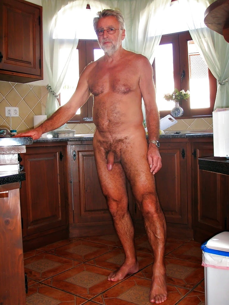 Naked old man runner