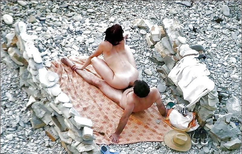 Porn on public beach-1824