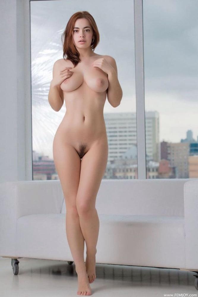 Busty girls posing - 377 Pics