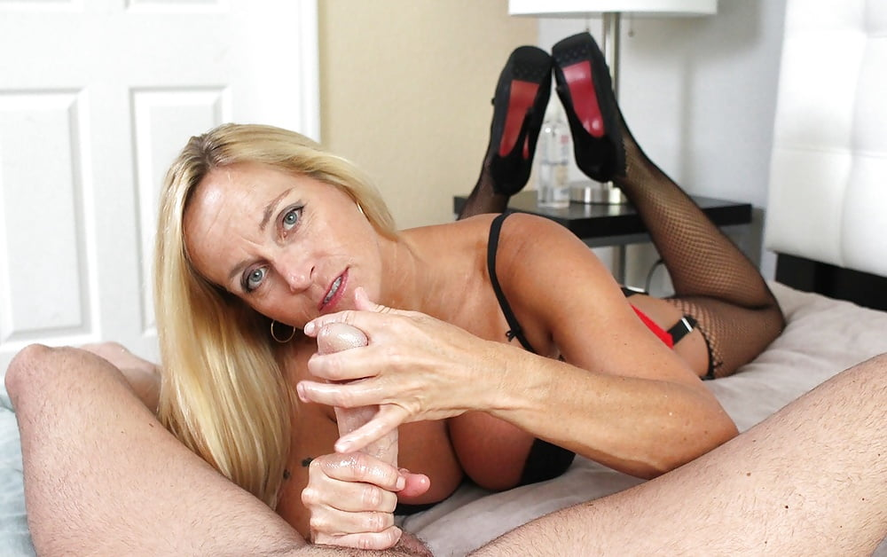 Two incredible british cougars giving out handjobs