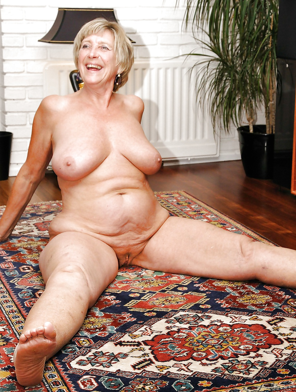 Naughty grannies and matures, hot granny pussy