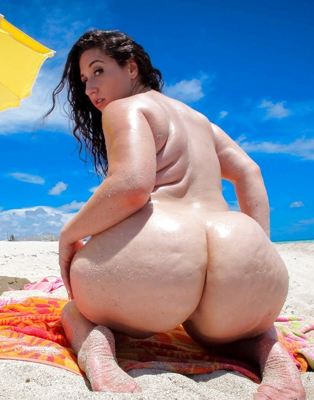 Sexy nude girls with big ass