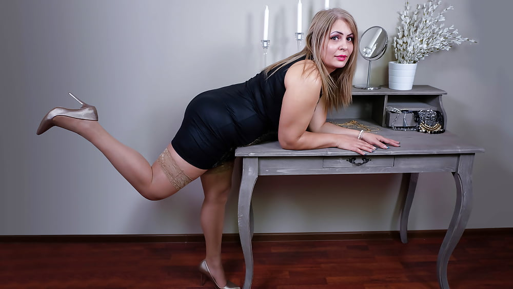 Cougar porn black-3055