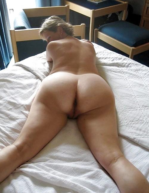 Mom exposed nude