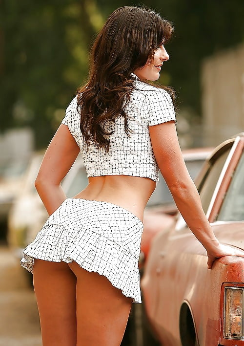 Topless Girl Tie Photos