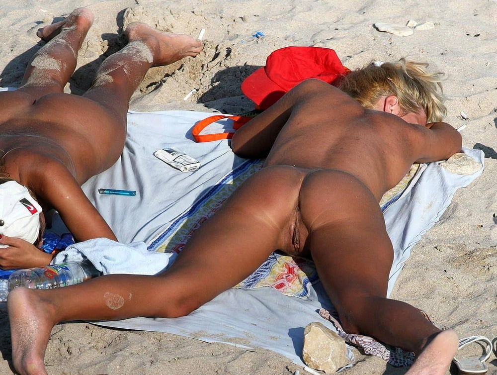 Nude Beach Amateur Ladies Ass Voyeur X Videos 1