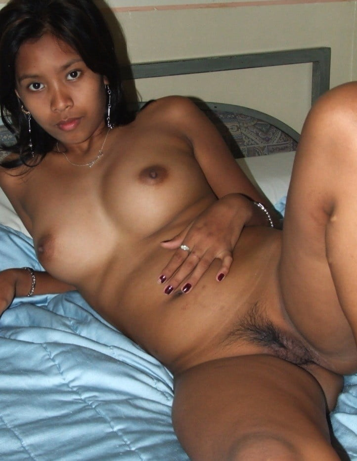 Sri Lankan Girl Fully Nude Ass Flash Pics, No Panties Pics, Real Amateurs