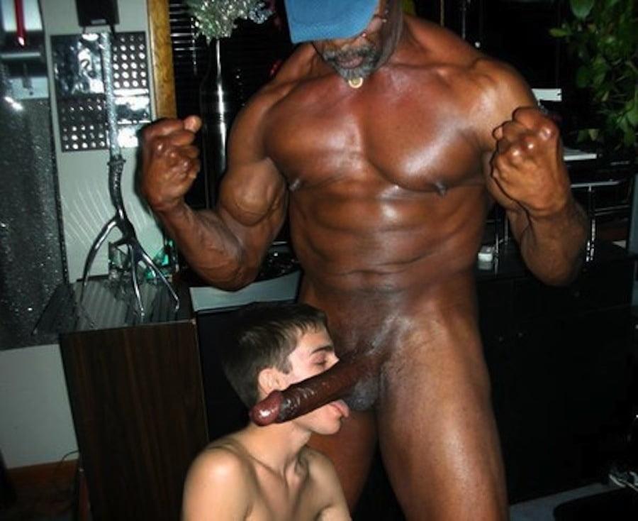 Master teaches his muscle slave a lesson head