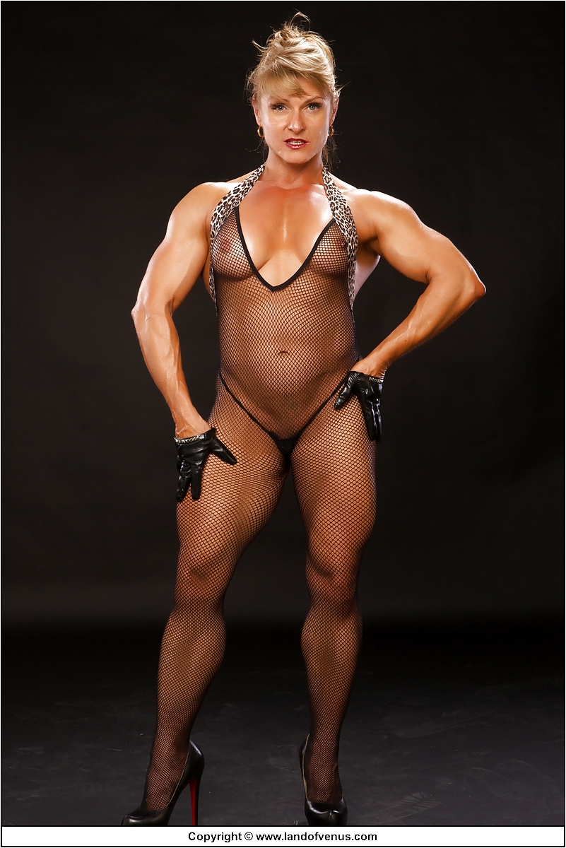 extra-muscular-naked-women