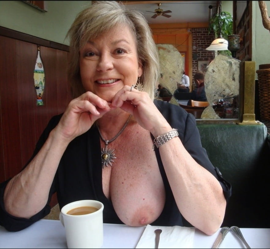 Milfs and Grannies - 31 Pics