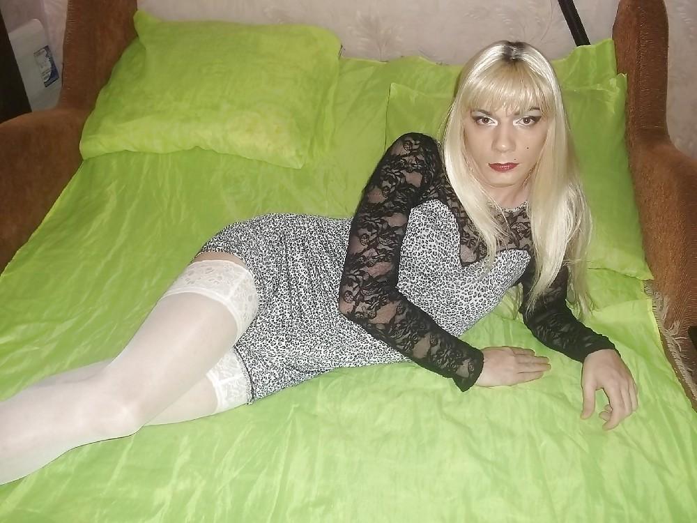 Трансвестит удовлетворяет себя 7