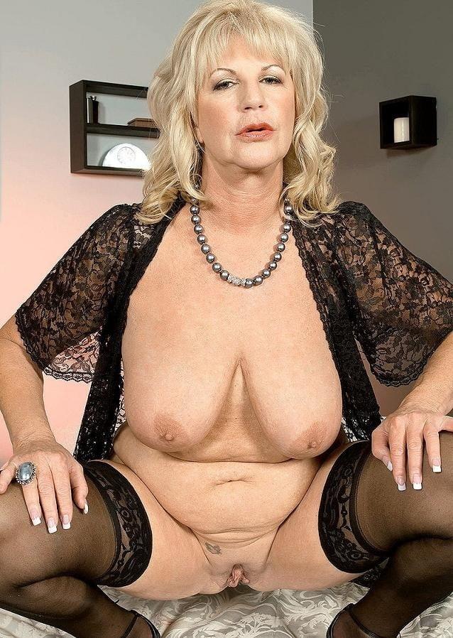 big-dark-mature-ladies-pussy-sexy-naked