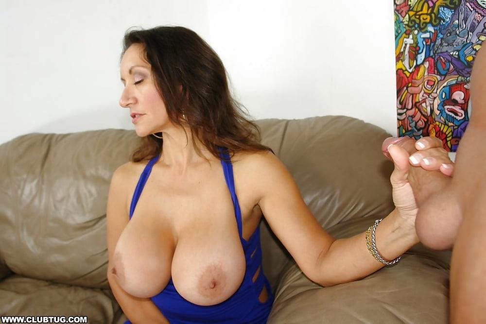 Maria hand on tit